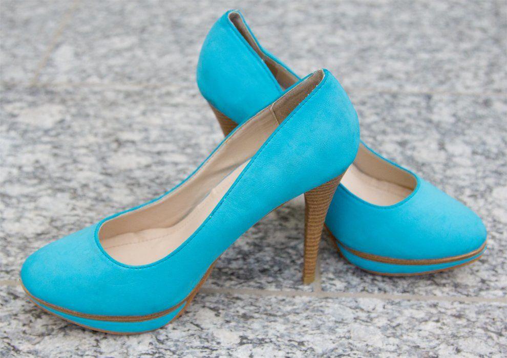 Gebrauchte blaue Schuhe