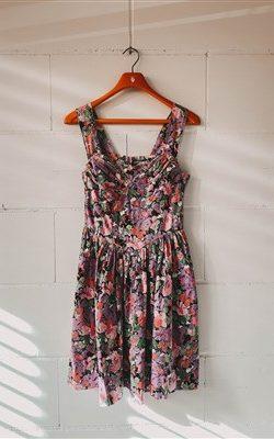Dresses 10-25€